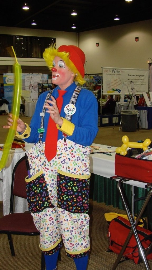 jazzi shows balloon twisting workshop
